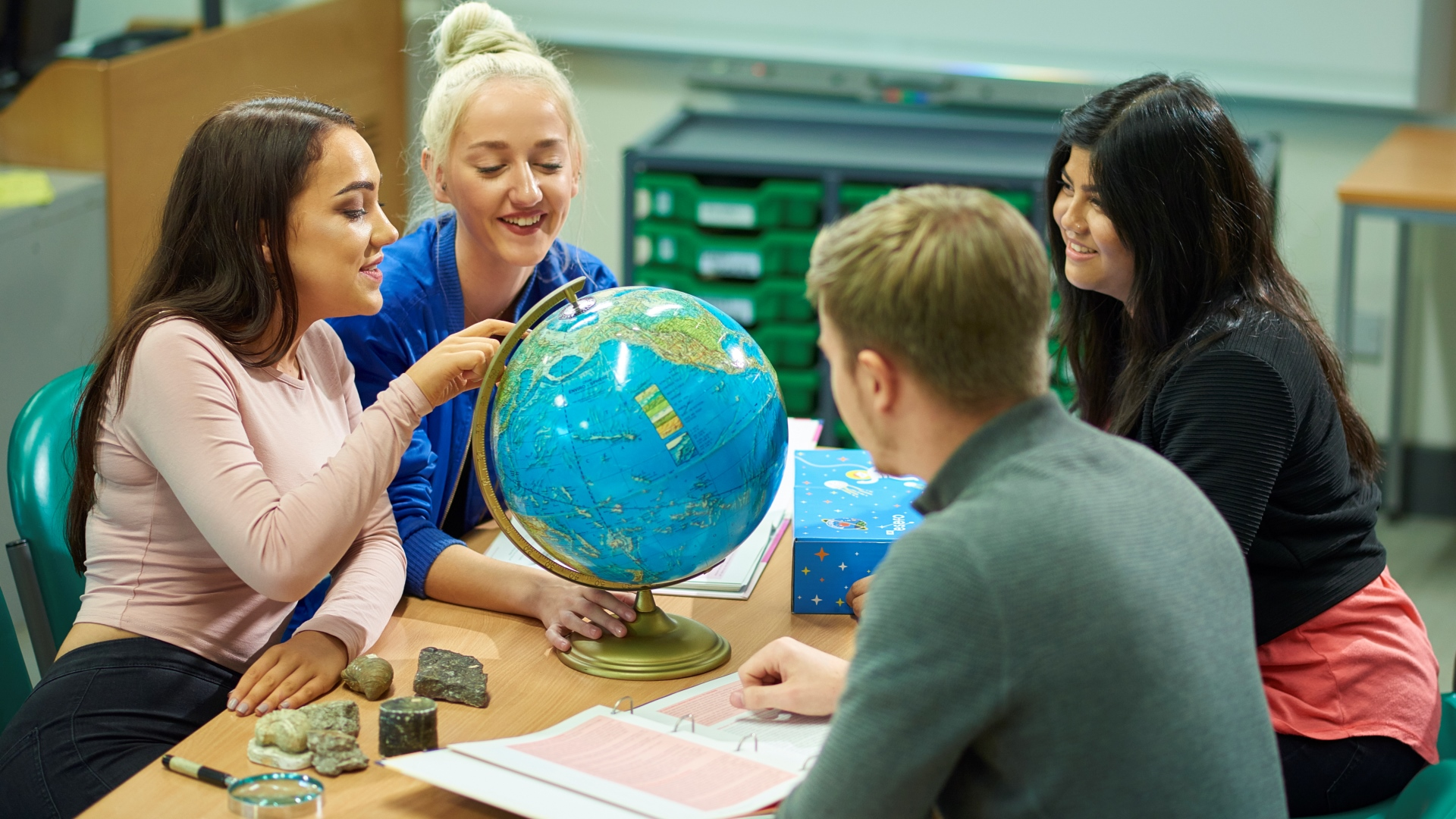 What are the Best Topics to Study with Geography?